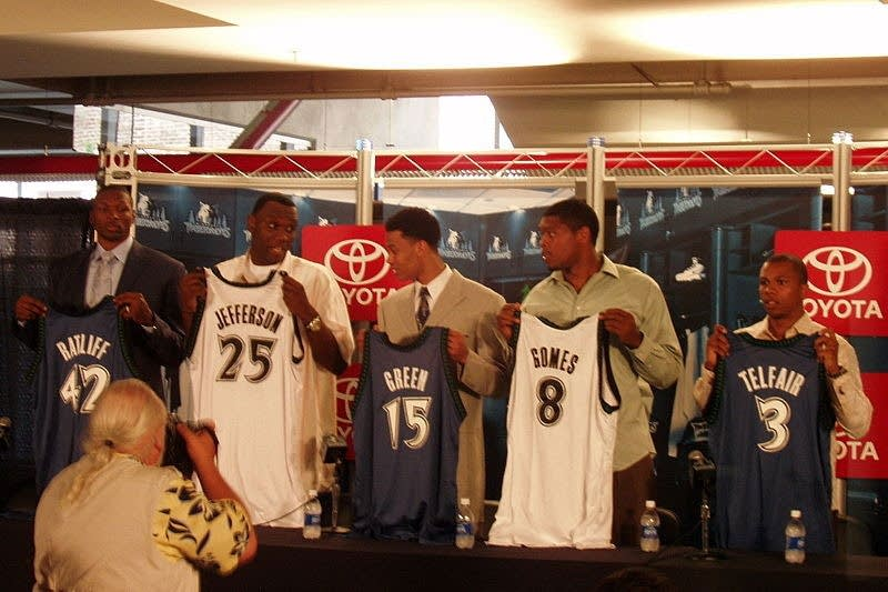 Five players for Garnett