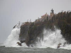 Waves pound the shoreline at Split Rock State Park.