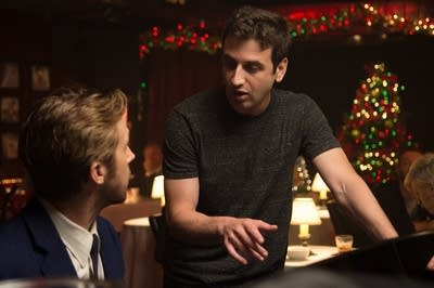 B89ee9 20170221 ryan gosling and composer justin hurwitz on the set of la la land