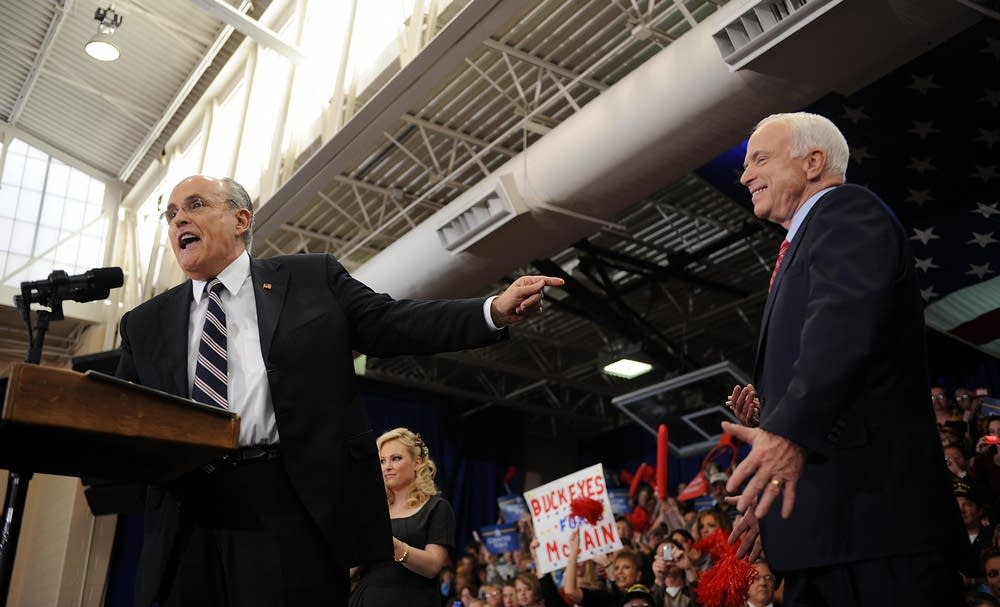 Rudy Giuliani campaigns with McCain in Ohio