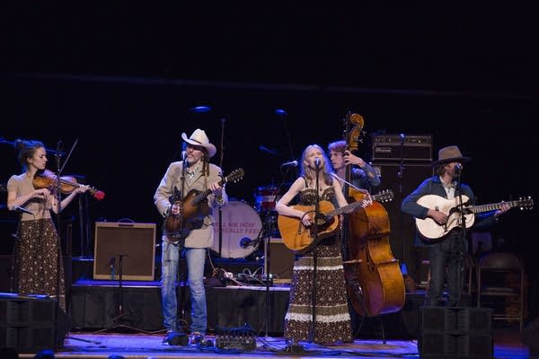 "David Rawlings Band performs ""Why She Needs Me"""