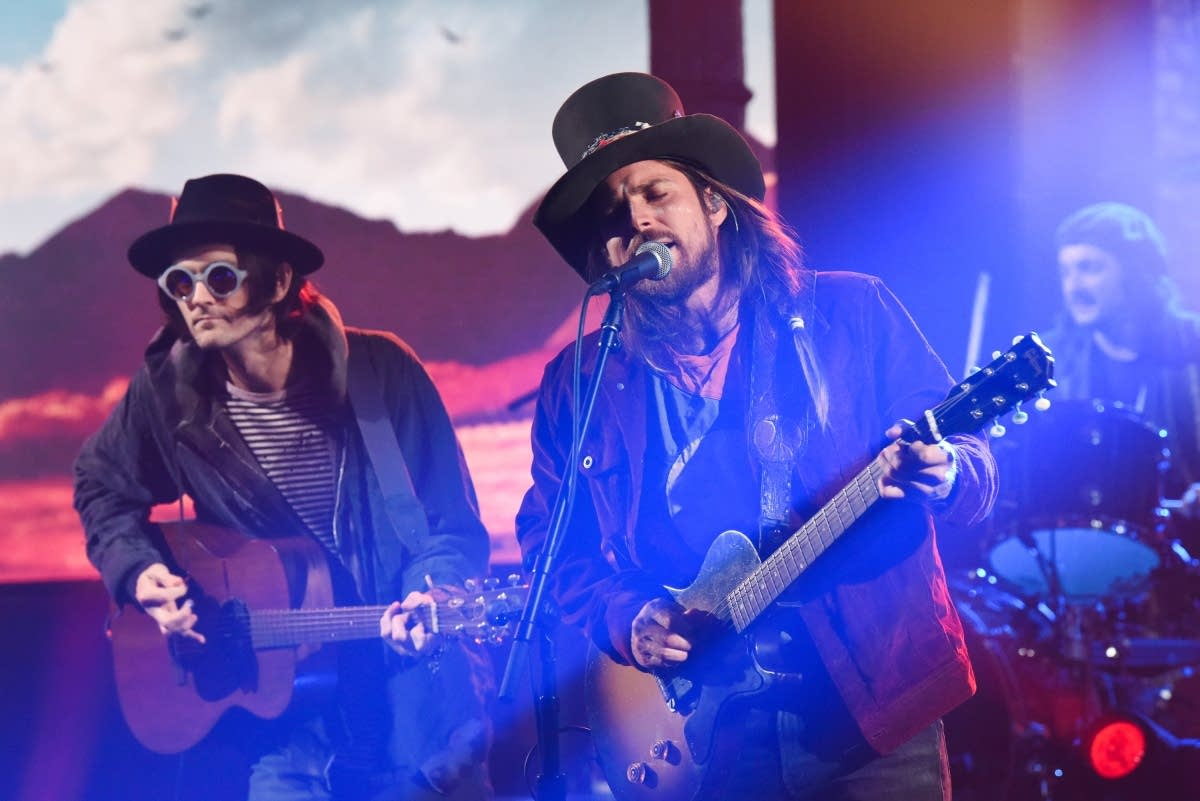 Lukas Nelson and the Promise of the Real perform on 'The Late Show'