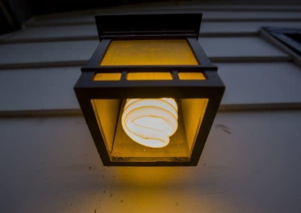 Quick fix: replacing incandescent bulbs.