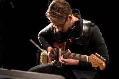 59f9e6 20140320 guitarist peter sieve