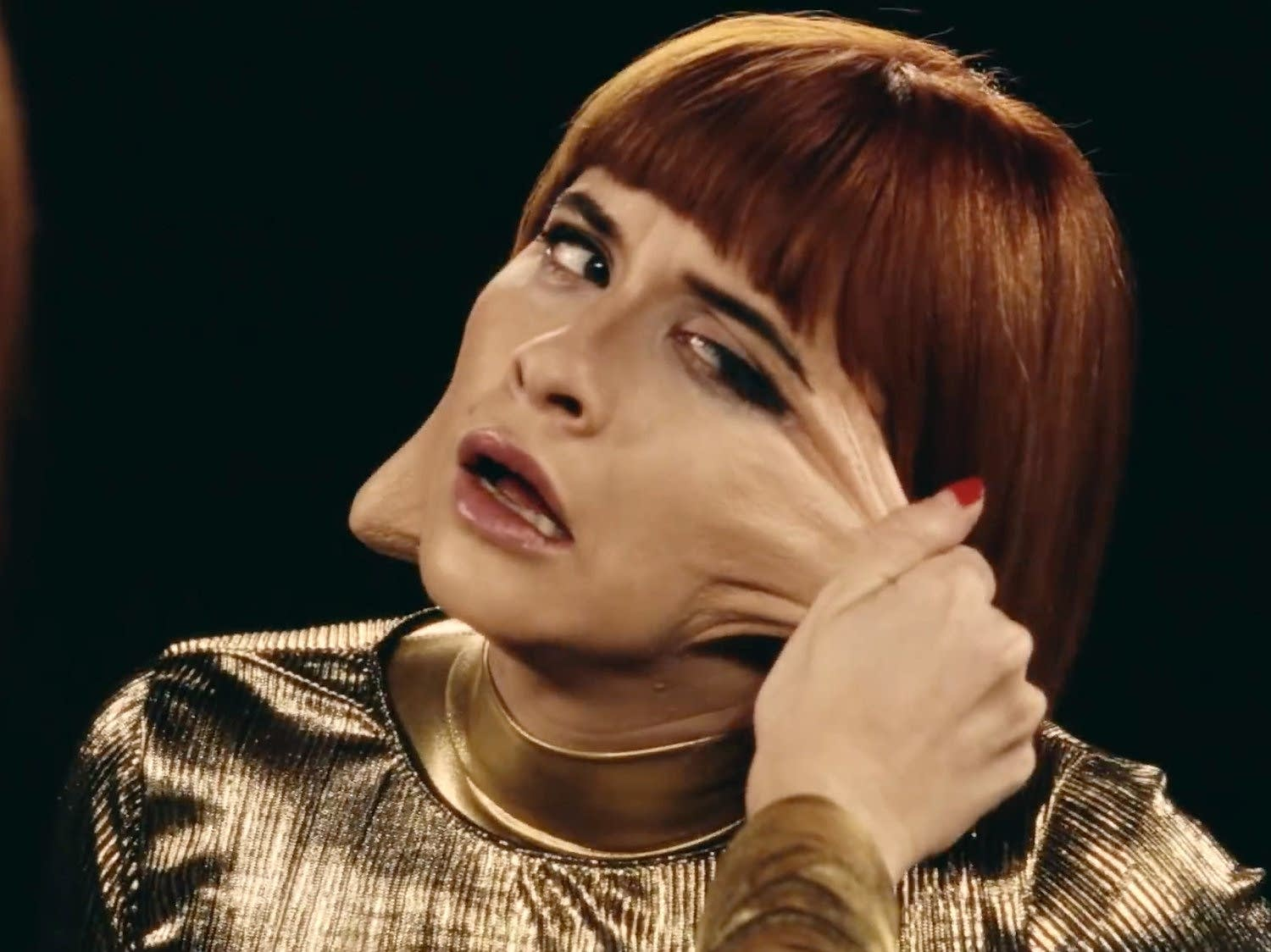 Lucius's Jess Wolfe in 'Gone Insane' video
