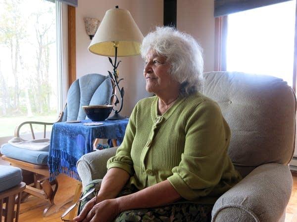 Storyteller Anne Dunn