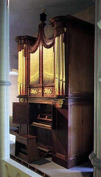 1823 Hall organ at Trinity Episcopal Church, Litchfield-Milton, Connecticut