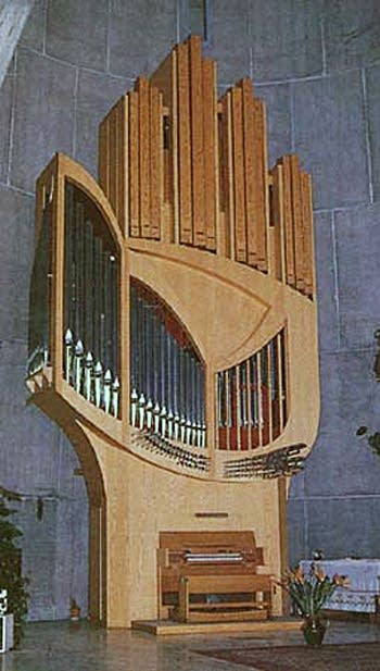 1978 Kleuker organ at Église Notre-Dame-de-Neiges, L'Alpe d'Huez, France