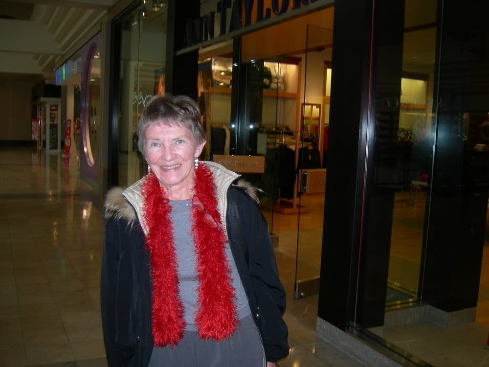 Shopper Harlene Hagen