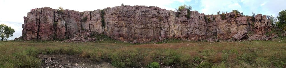 A panoramic view of the cliff line at Blue Mounds.