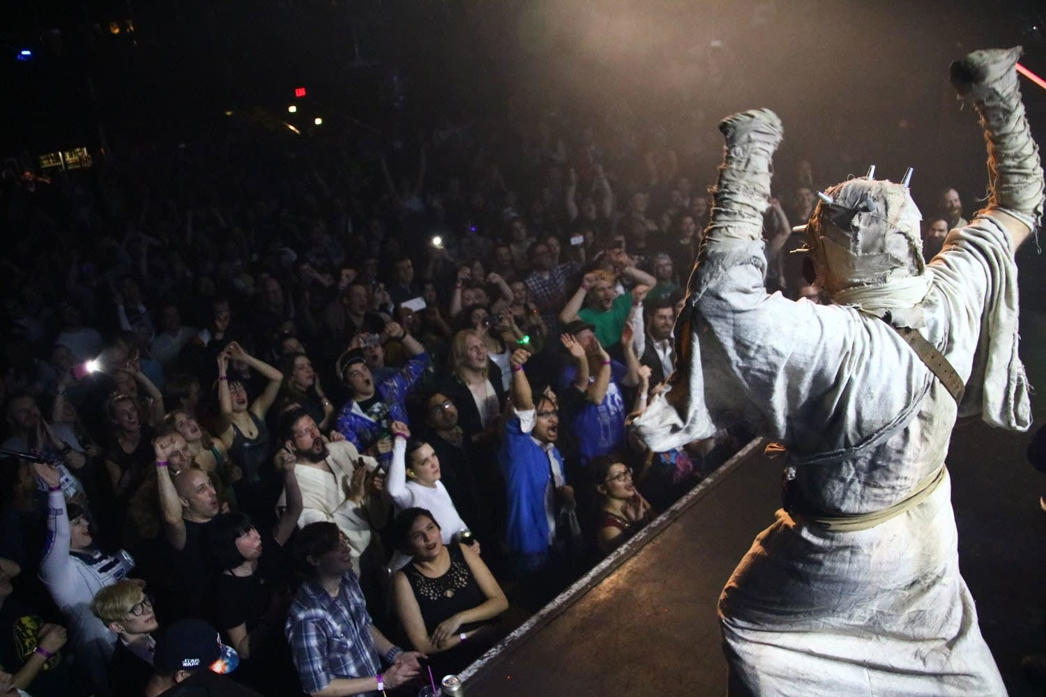 Tusken Raider excites crowd at First Avenue