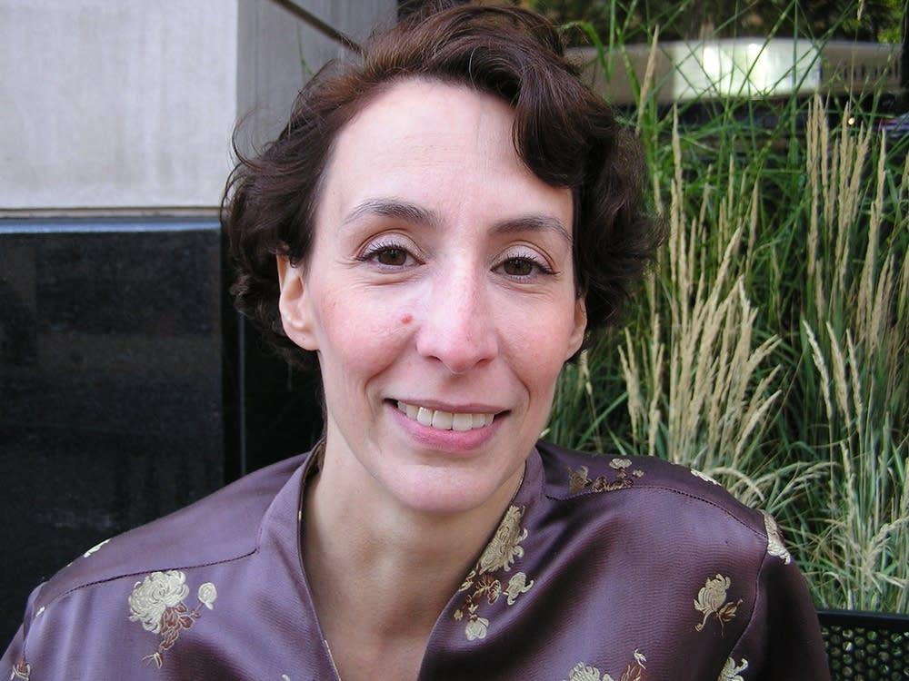 Consultant Sarah Harris