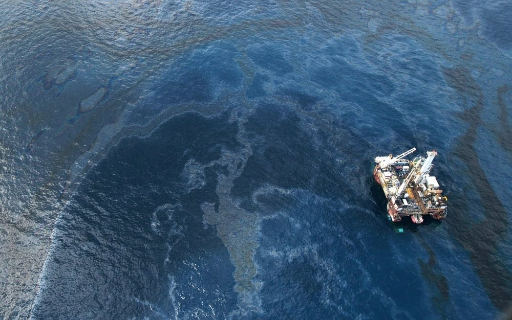 Gulf oil spill, May 2010