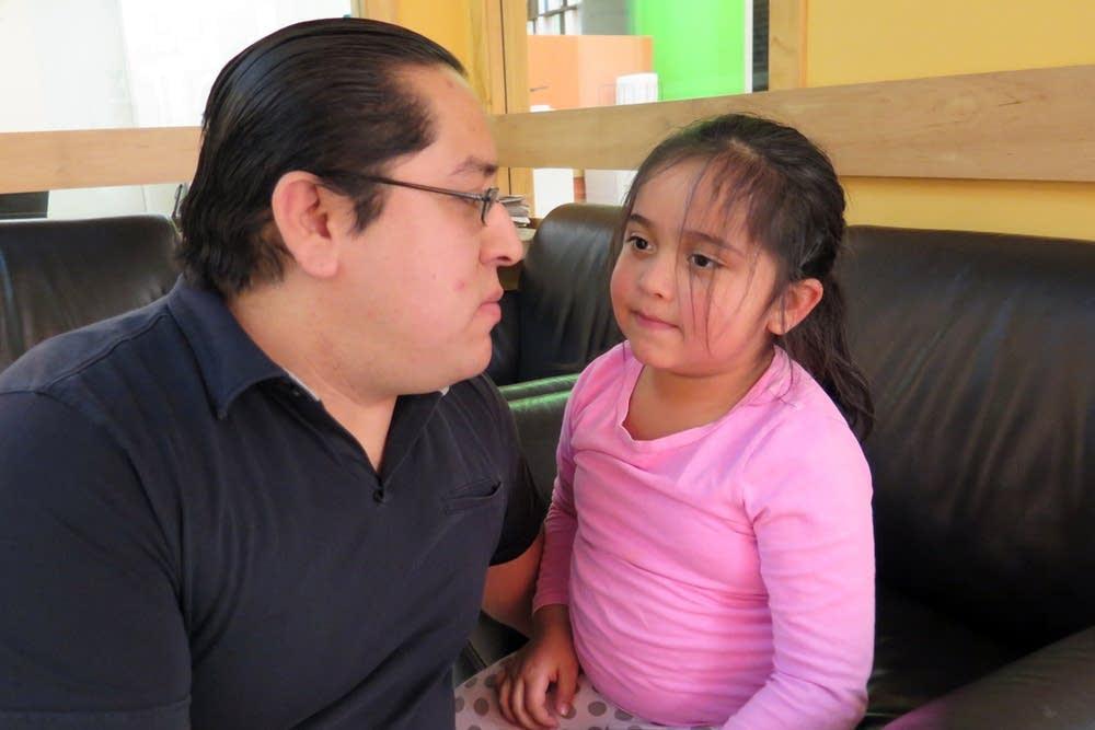 Daniel del Toro and daughter