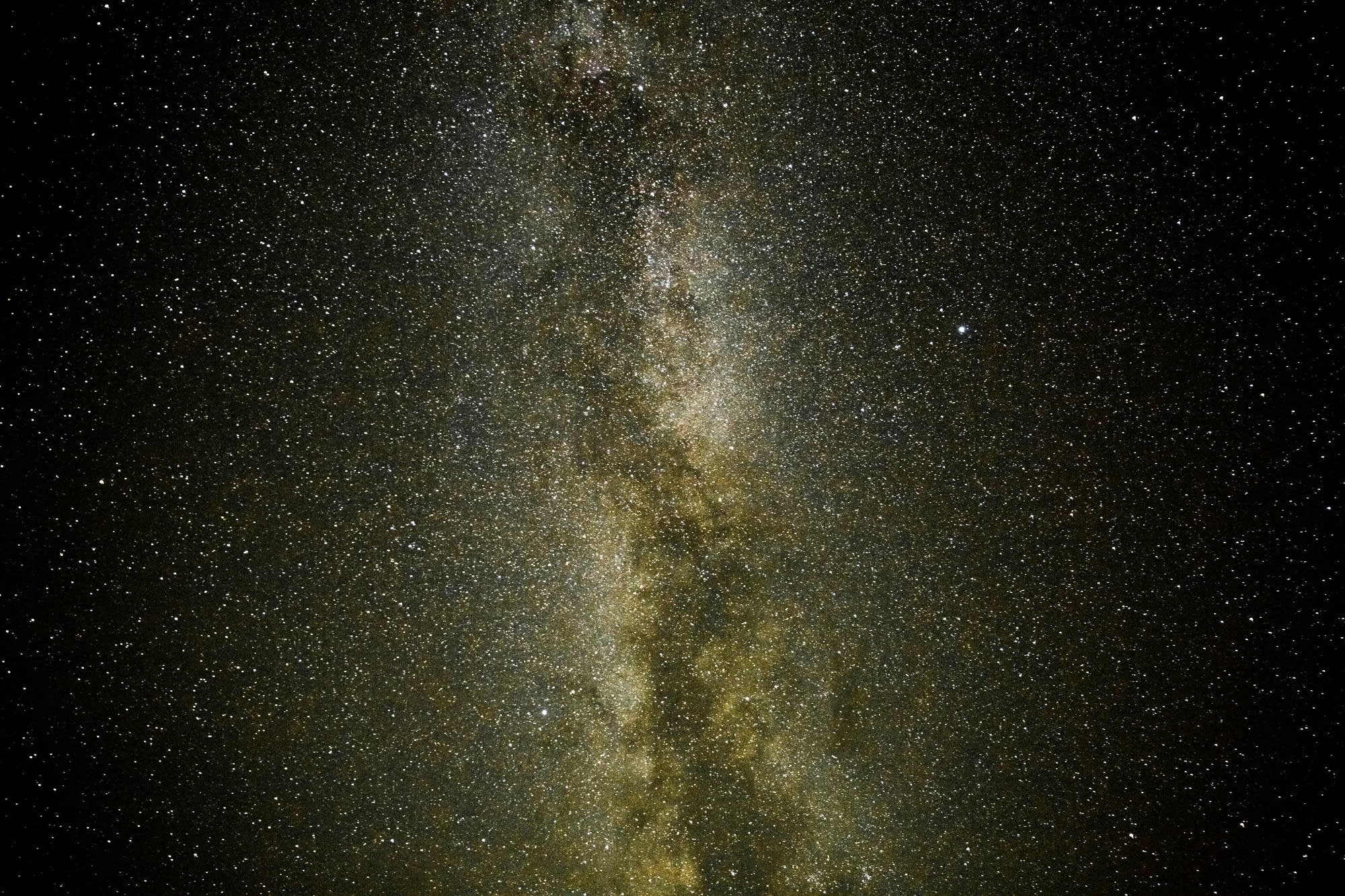 The milky way above Voyageurs.