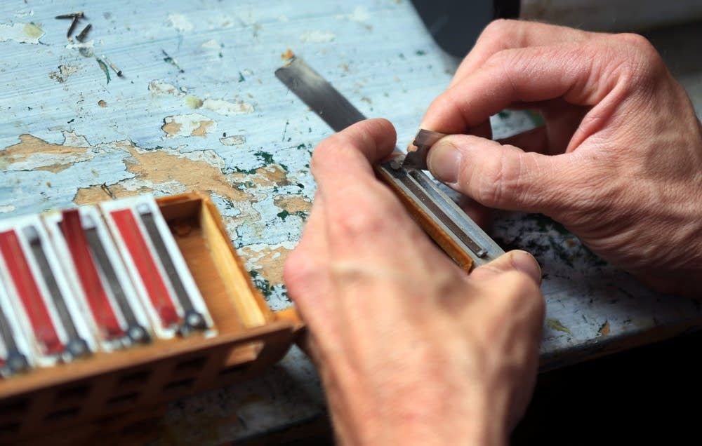 Repairing a reed