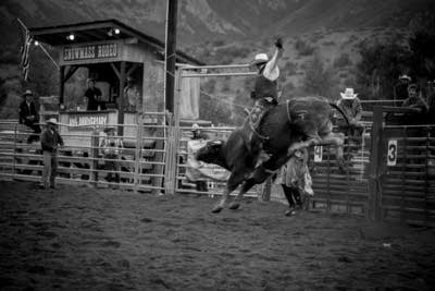 C878be 20140715 bull riding at the snowmass rodeo