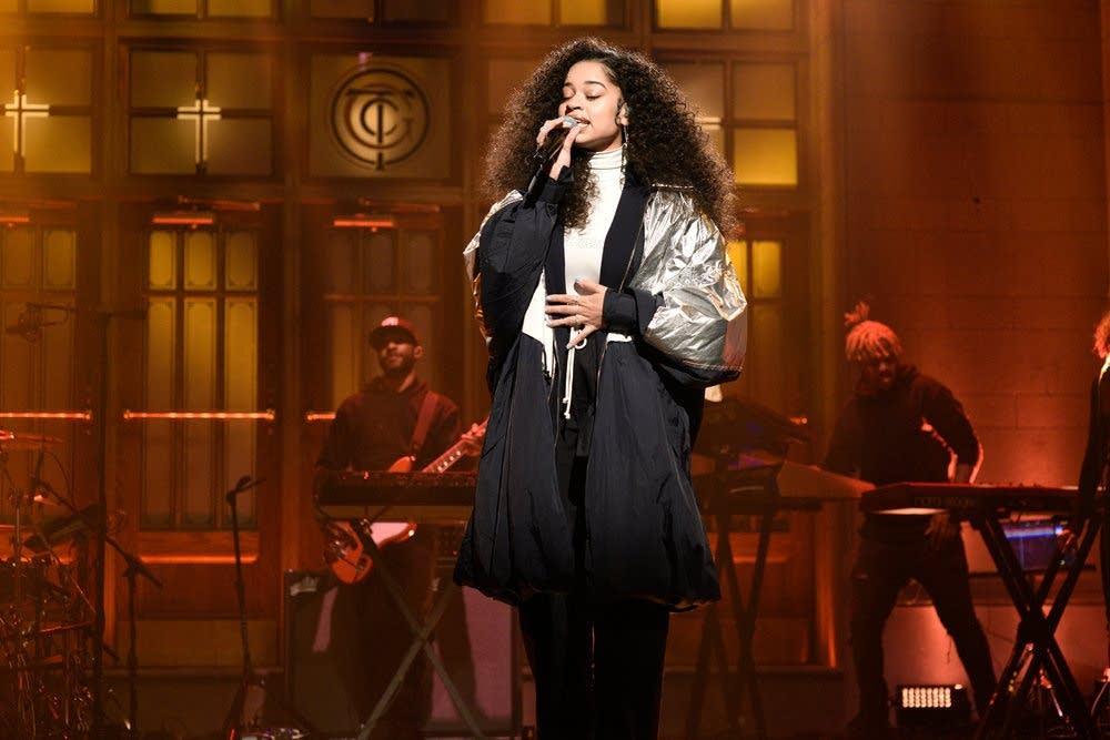 Ella Mai performs on 'Saturday Night Live'