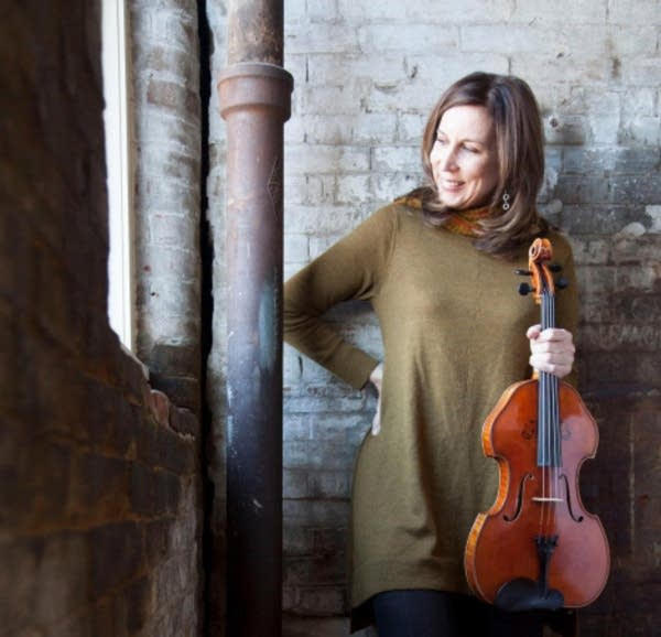 violist Kate Hamilton
