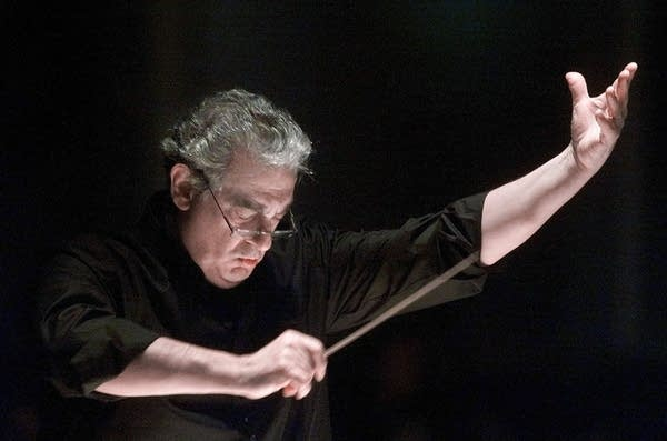 Placido Domingo directs the Washington Opera Orchestra during a rehearsal.
