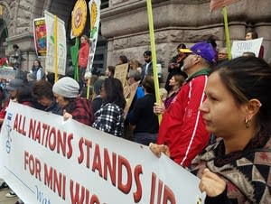 Pipeline opponents called for Henn. Co. to bring back deputies.