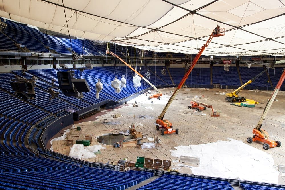 A new roof for the Metrodome