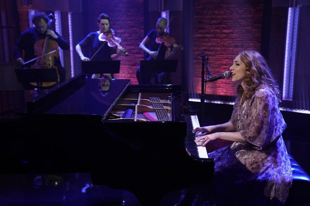 Regina Spektor performs on 'Late Night with Seth Meyers'