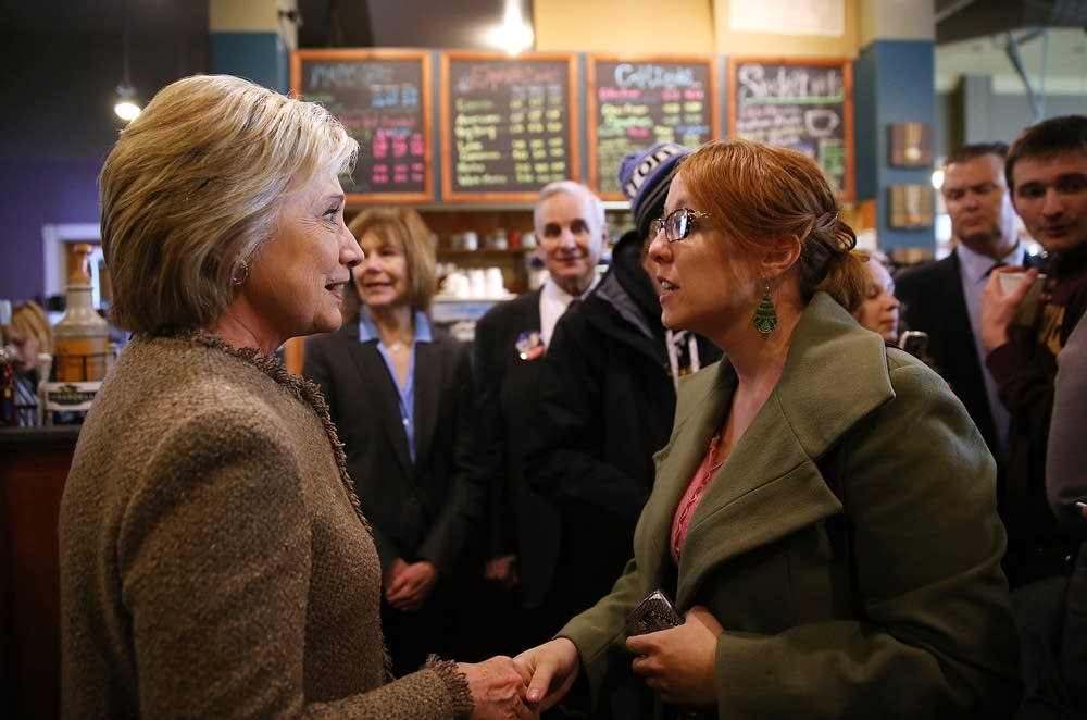 Clinton greets patrons at Mapps Coffee.