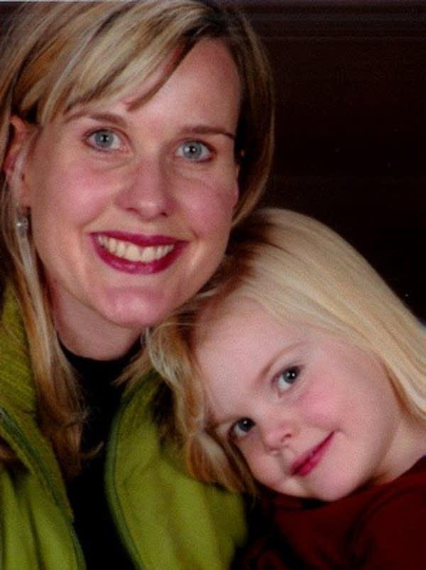 Jennifer Gustafson, Callie Gustafson