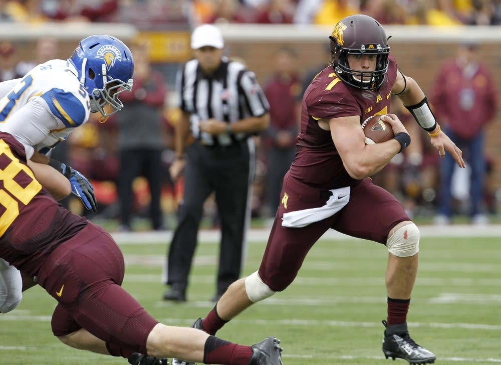 Gophers quarterback Mitch Leidner
