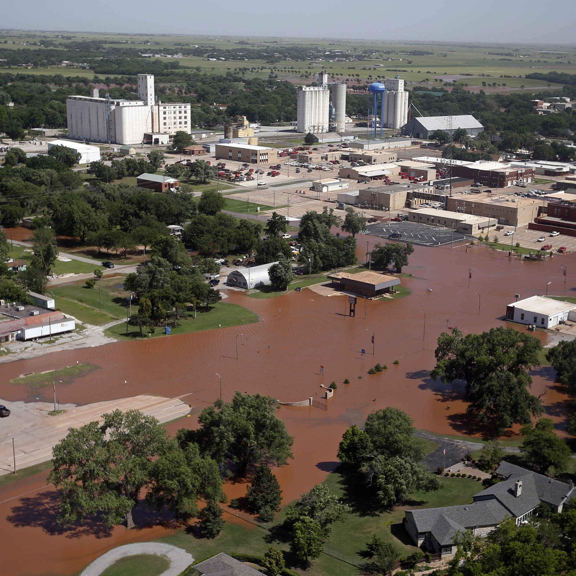 Rivers rising in waterlogged central U S