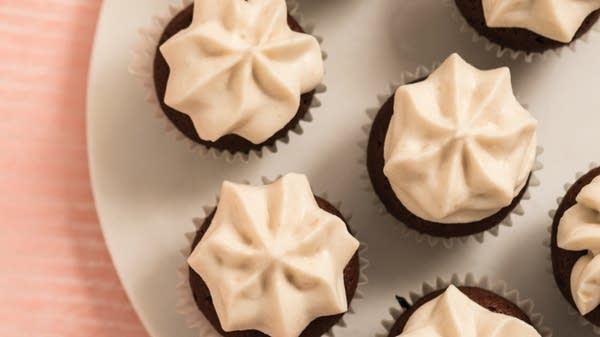 Chocolate Souffle Cupcakes with Shiro-an Cream