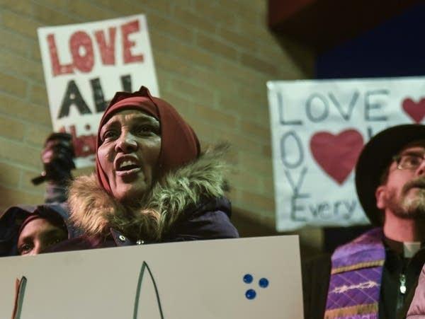 Controversial speaker draws twice the crowd in Willmar