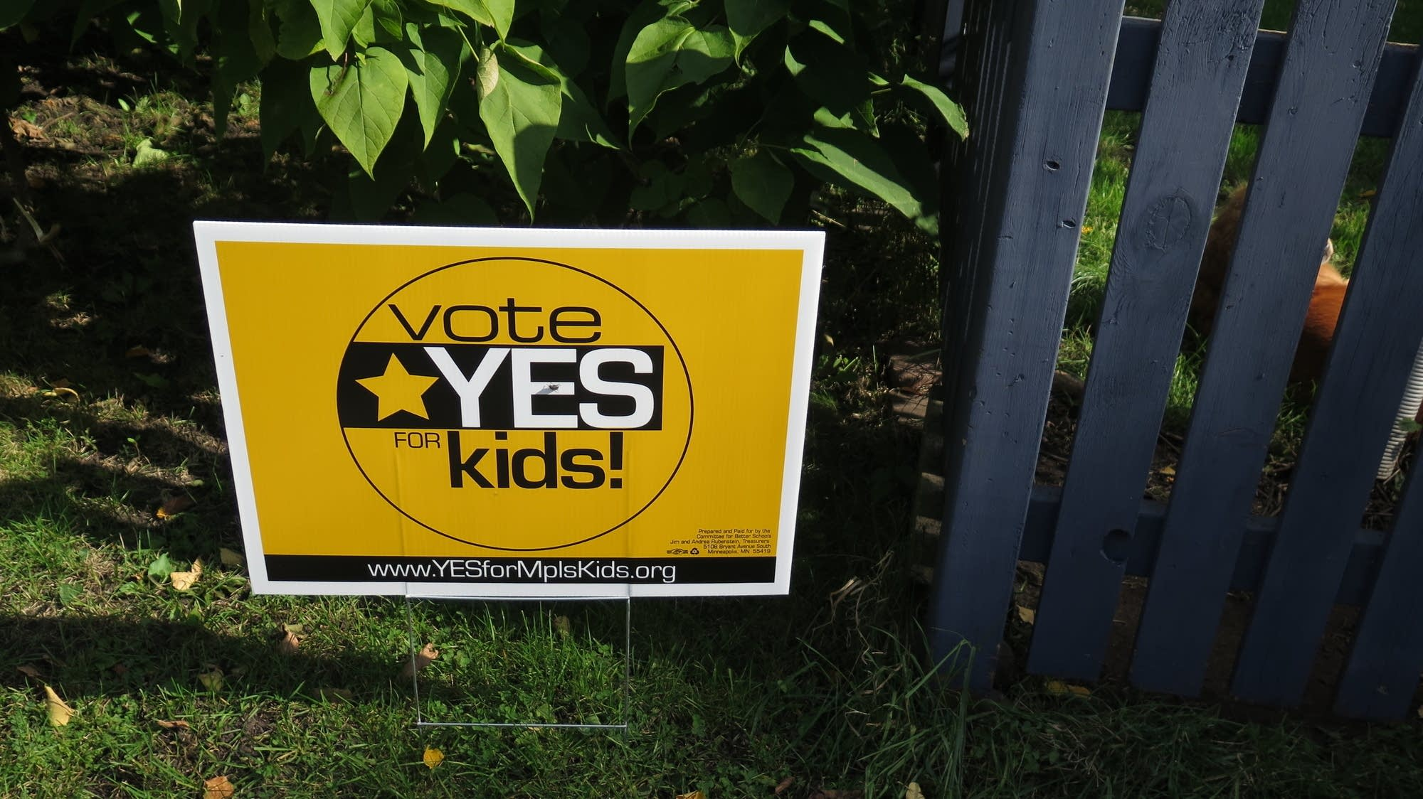 Minneapolis school referendum signs