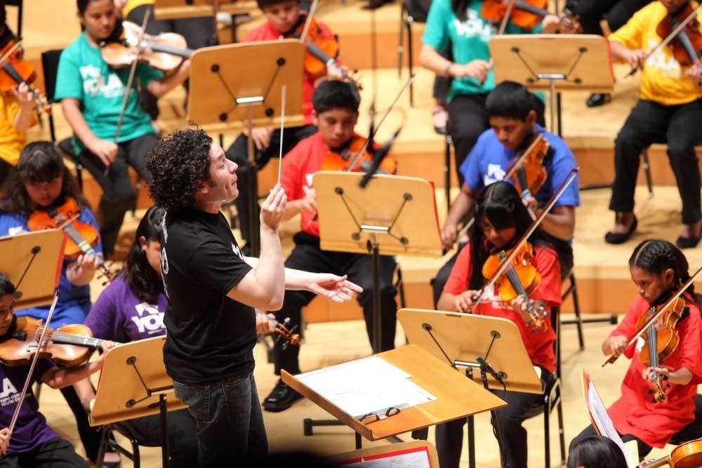 gustavo dudamel youth orchestra los angeles