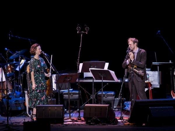 Violinist Hilary Hahn joins Chris