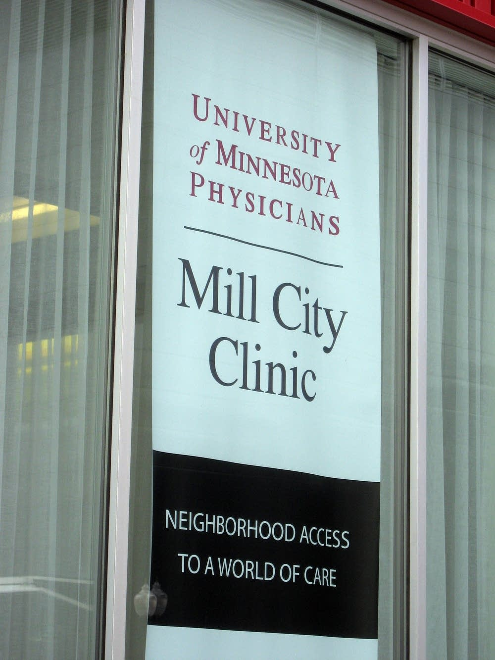 The banner in front of the new Mill City Clinic