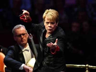 4e19eb 20180907 marin alsop conducts the baltimore symphony orchestra at the bbc proms