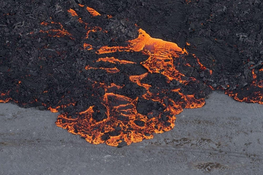 Lava flowing out of the Bardarbunga