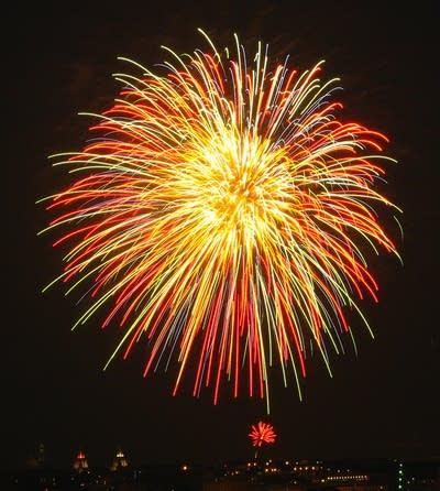 A44e14 20101228 fireworks