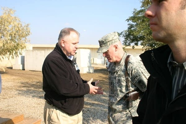 Rep. Walz meets with a soldier