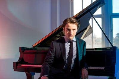 2037e2 20151027 pianist daniil trifonov