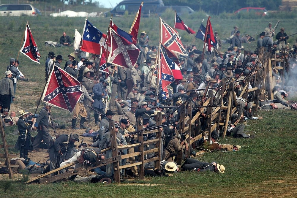 Confederate infantry re-enactors