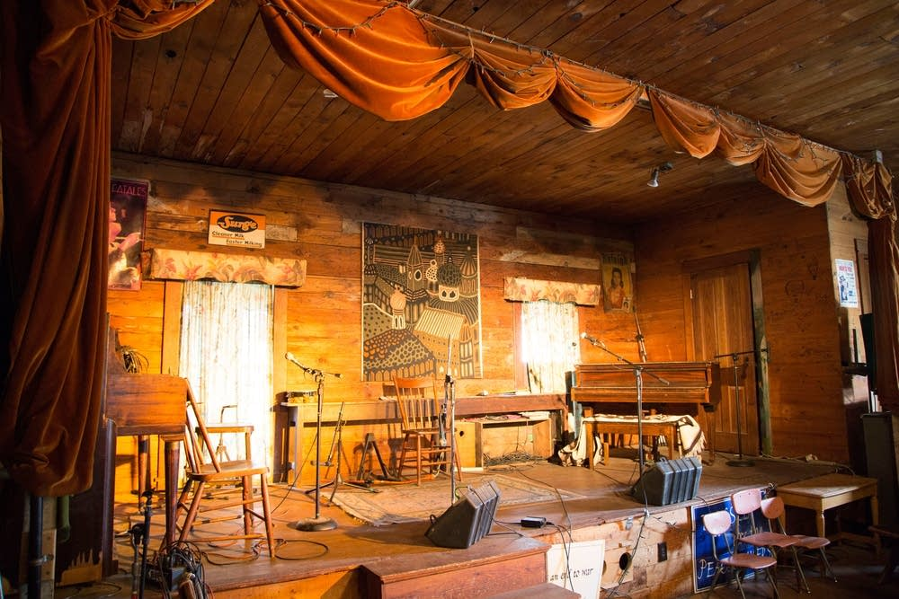 the stage at Oak Center General Store