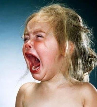 86924b 20121119 crying baby plane