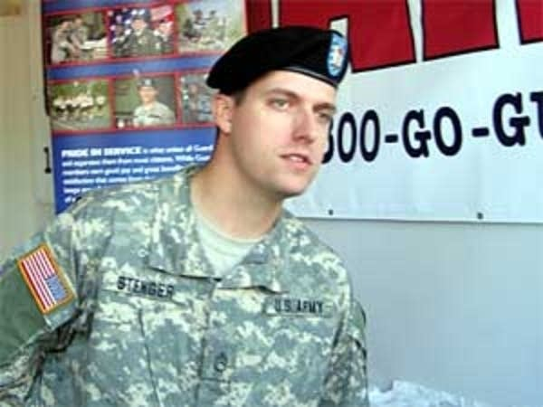 MN National Guard recruiter at the fair