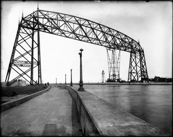 Duluth's Aerial Ferry Bridge in 1929