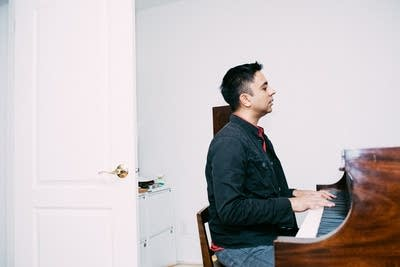 A741f8 20170607 vijay iyer playing piano at home 02