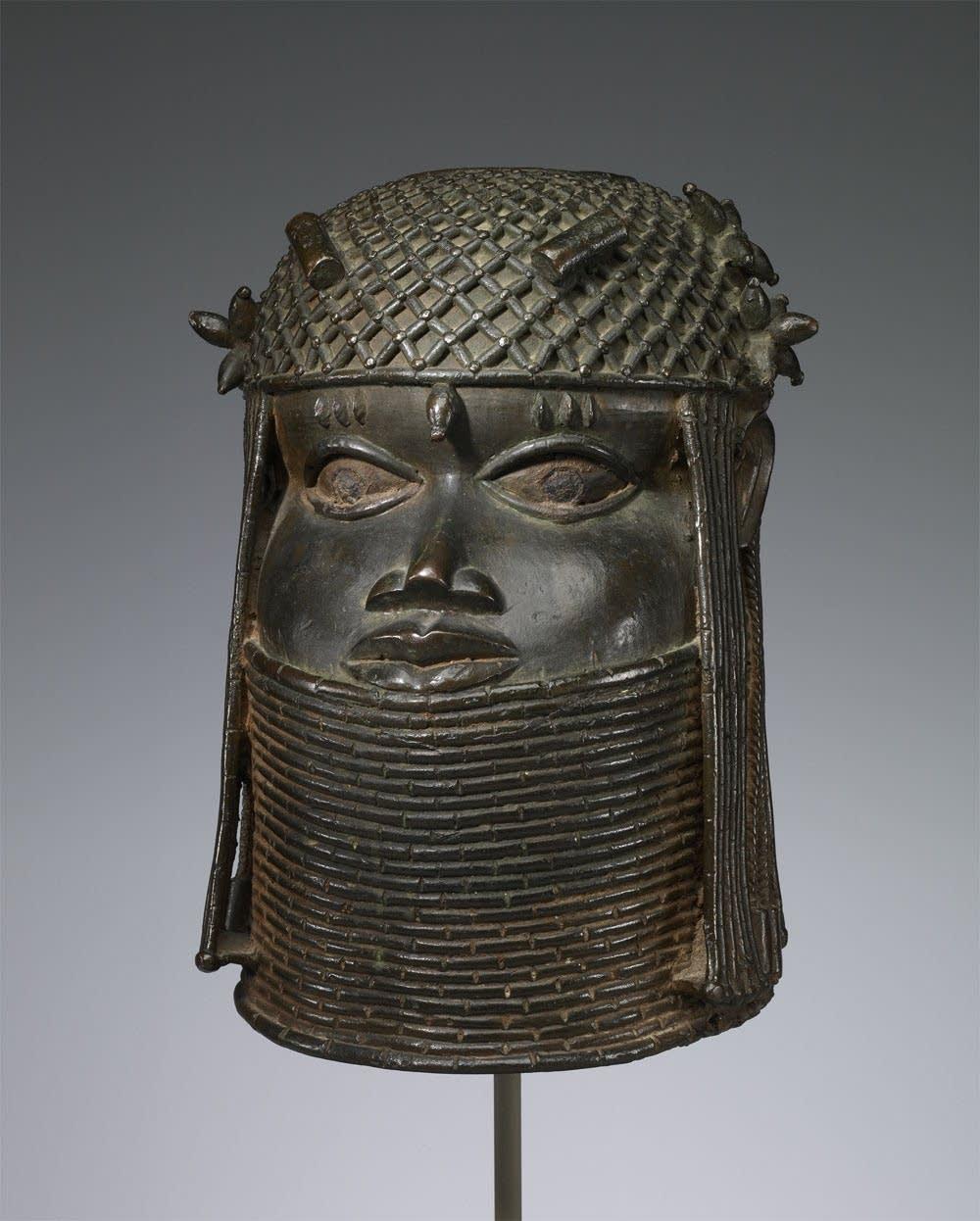 Rare African sculpture