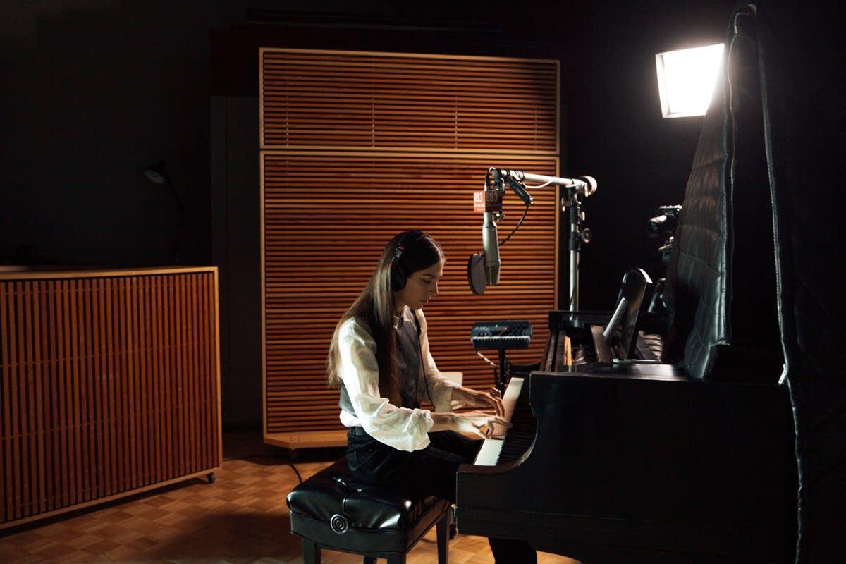 Caroline Polachek visits The Current's studio